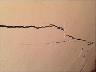 Crepe nei muri causate dal cedimento delle fondazioni - Crepe nei muri interni pericolose ...